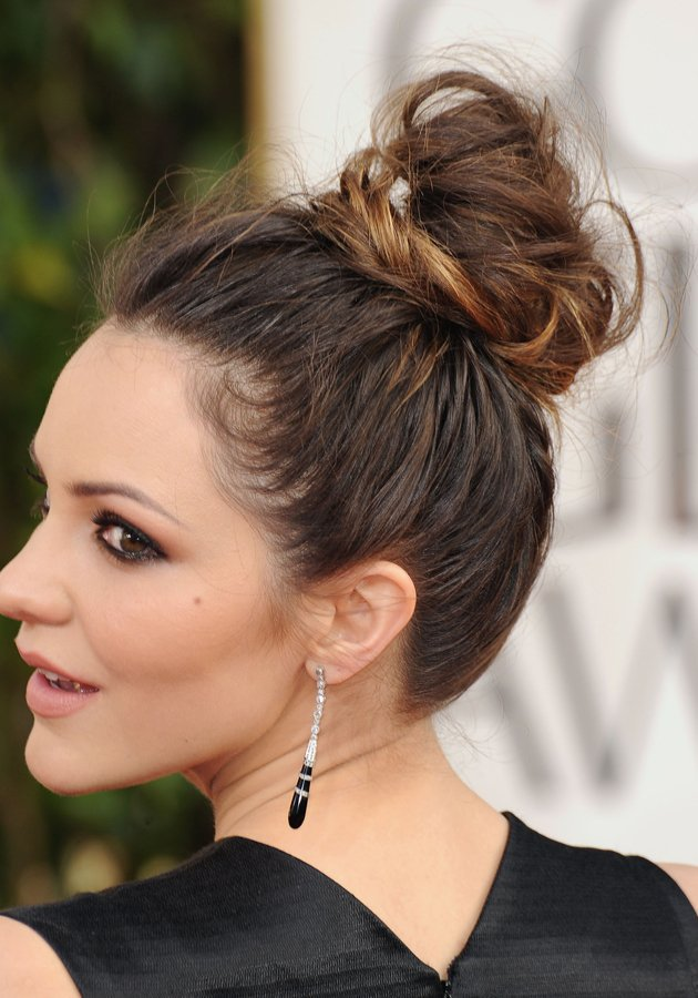 High Messy Bun Boys And Girls Hairstyles Hair Tutorials