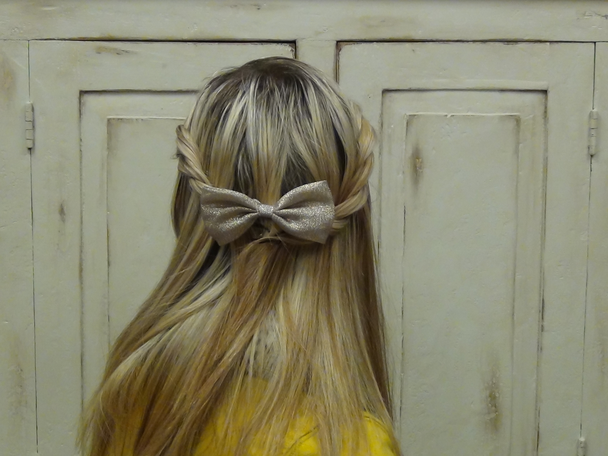 Pulled Back Hair Styles: French Twist Pull Back Hairstyle