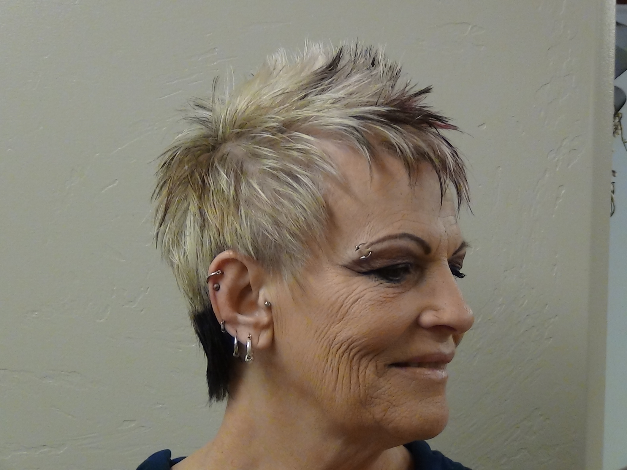 Hairstyle Hawk : Cut and Style Ladies Faux Hawk Boys and Girls Hair Styles