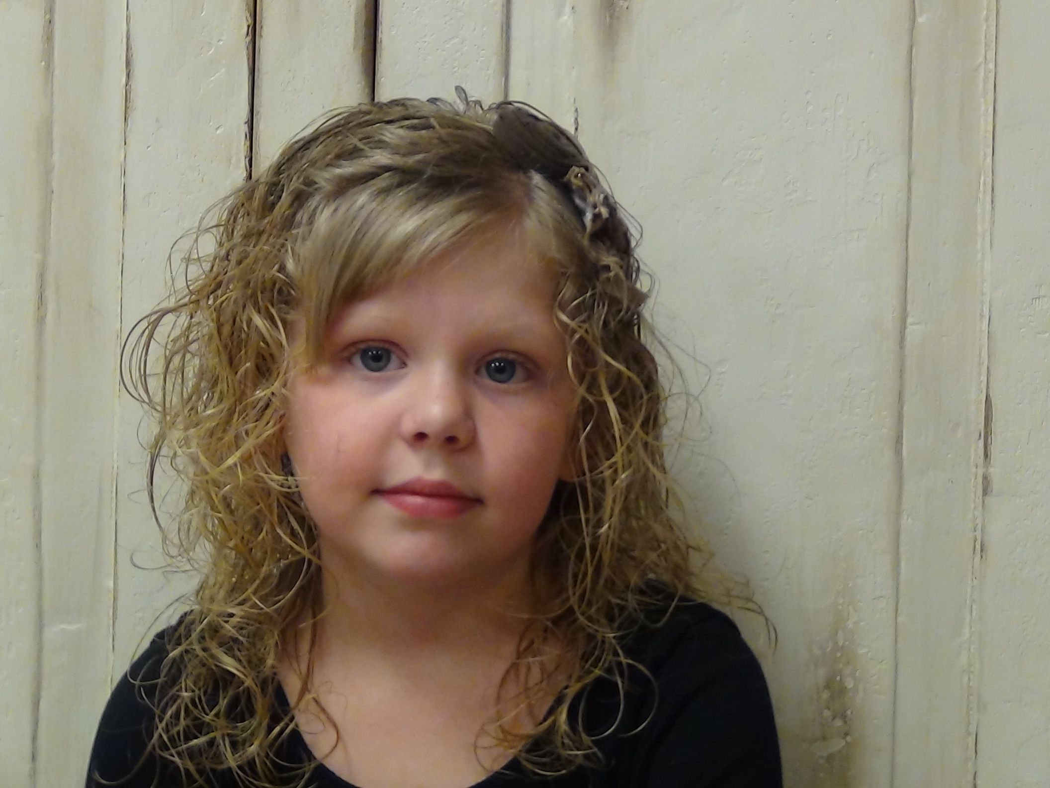 Loose side ponytail for curly hairstyles boys and girls hair styles